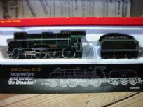 Hornby 4-6-0 Locomotive Sir Dinadan